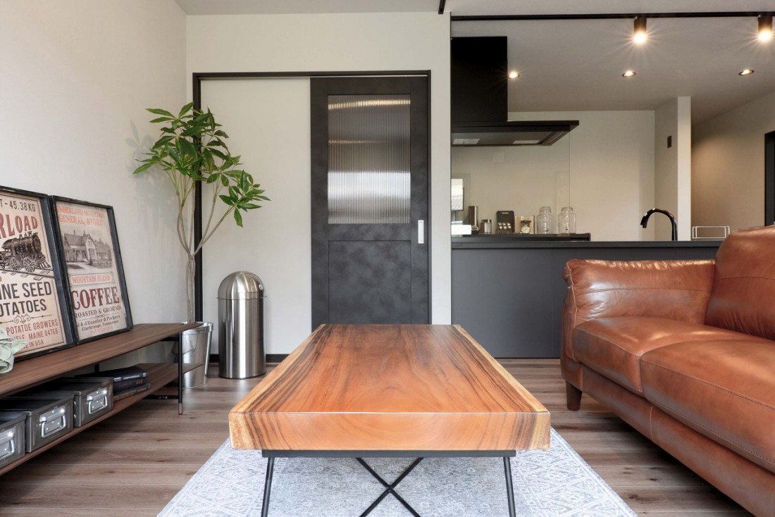 黒いZERO-CUBE+fun:「私たちにちょうどいい家」1,000万円から始める家づくり アイキャッチ画像