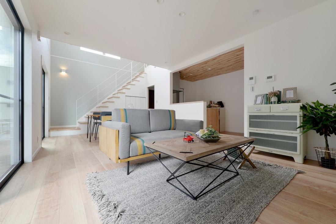 ネイビー色のZERO-CUBE+fun:「私たちにちょうどいい家」1,000万円から始める家づくり アイキャッチ画像