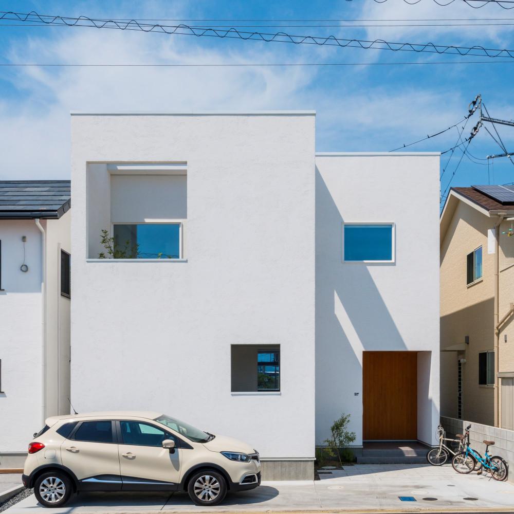 白い四角の家 アイキャッチ画像