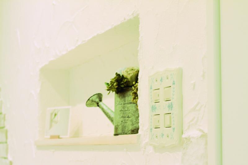 子育てママの自然素材いっぱいの真っ白い想家 アイキャッチ画像