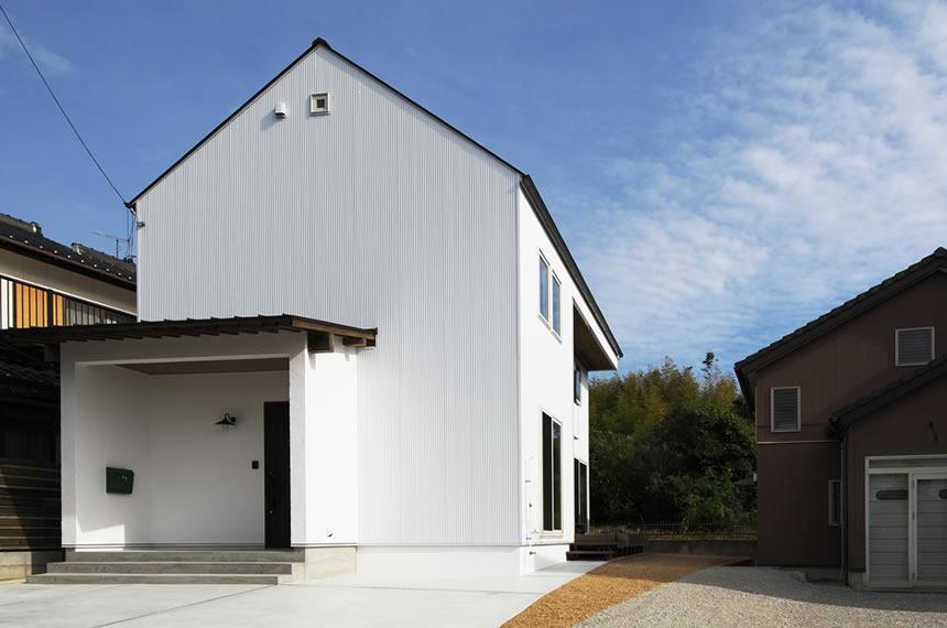 浜松市、シンプルな無垢材の家