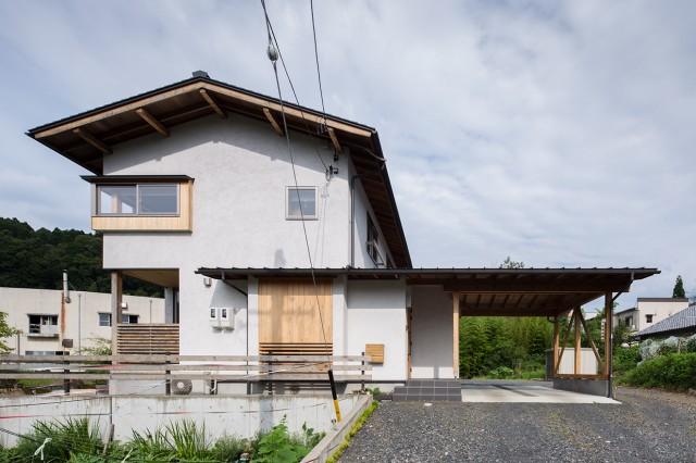 内外に広がりをもつ、多治見の風土を刻む家 アイキャッチ画像