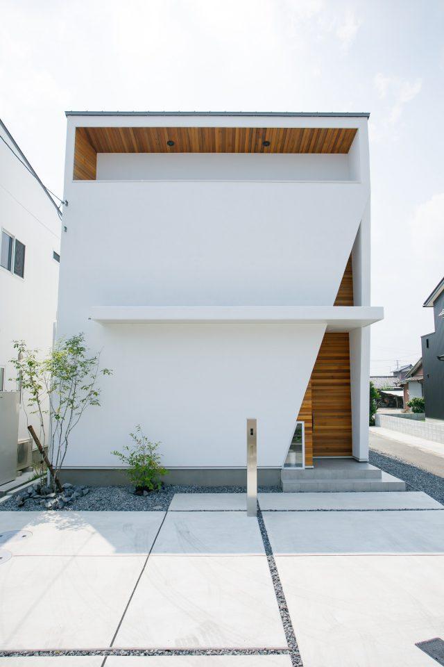 スタイリッシュで、シンプルカッコいいお家 アイキャッチ画像