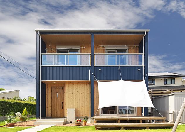 ガルバと杉板を張った箱型のお家 アイキャッチ画像