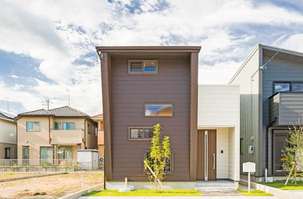 【Natural×Cool】外観からは想像がつかない大空間コートハウス ヴィンテージモダンデザインハウス アイキャッチ画像