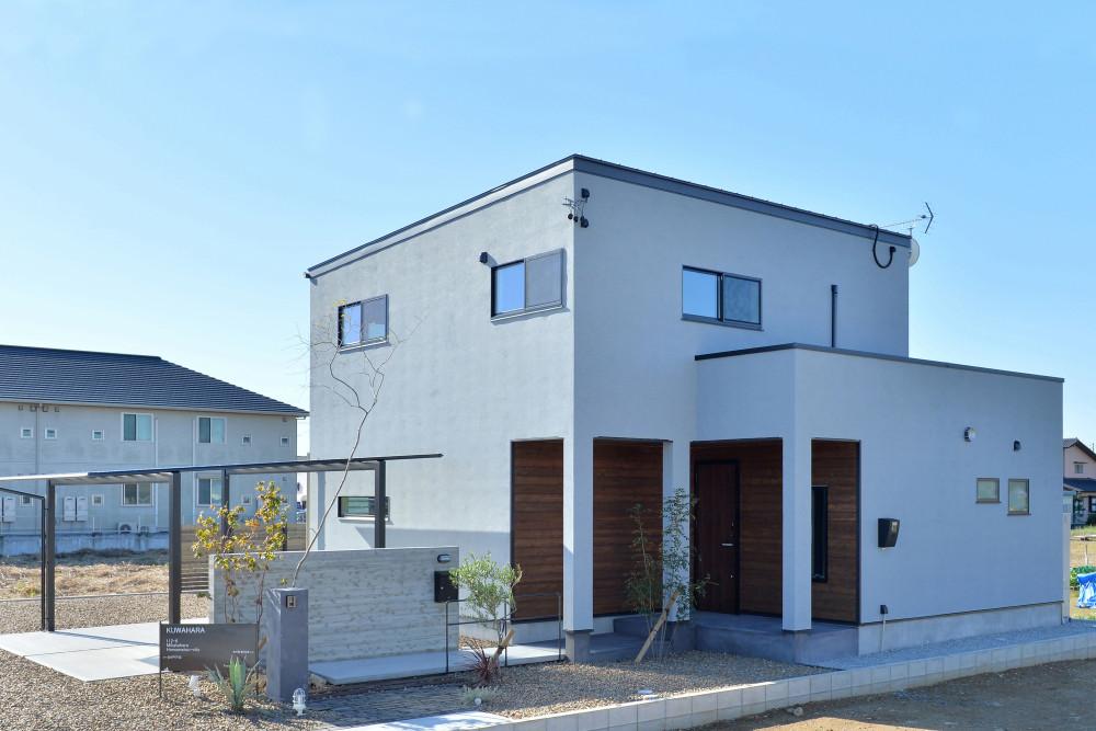 LDKも収納もワイドな空間で家族がのびのび暮らす家 アイキャッチ画像