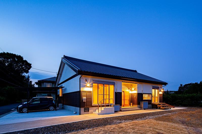 灯りを愉しむ〜大黒柱のある平屋の家〜 アイキャッチ画像