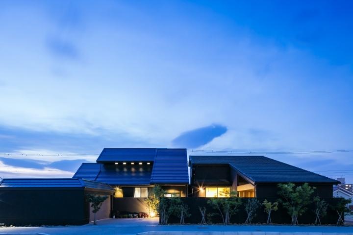 大屋根の黒い家 アネックス メイン画像