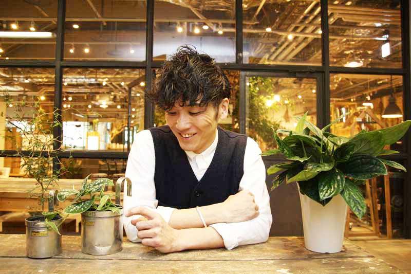 日当たり別で選ぶ観葉植物とは?「garage NAGOYA」店長の川橋さんに聞いてみた アイキャッチ画像