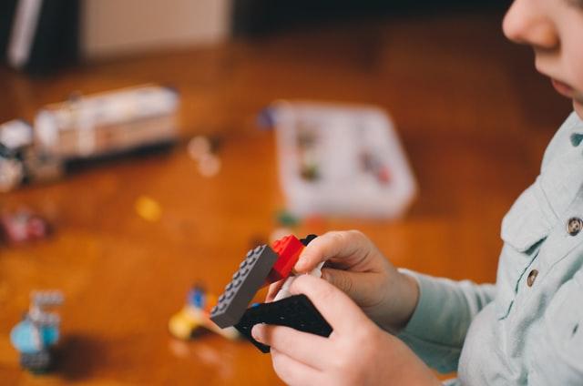 家の中で起きる子どもの事故と対策とは? アイキャッチ画像